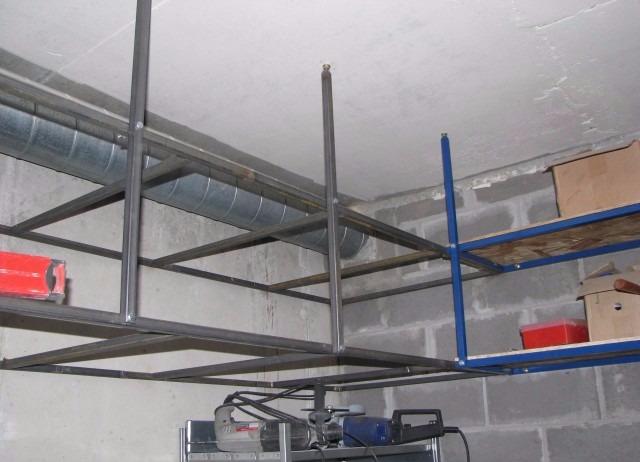 Навесной каркас для полок в гараже без продольной балки