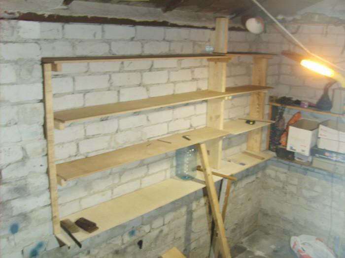 фото стеллажи в гараже на стену