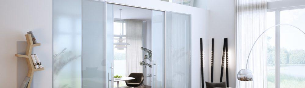 Зонирование комнаты с помощью стеклянных перегородок
