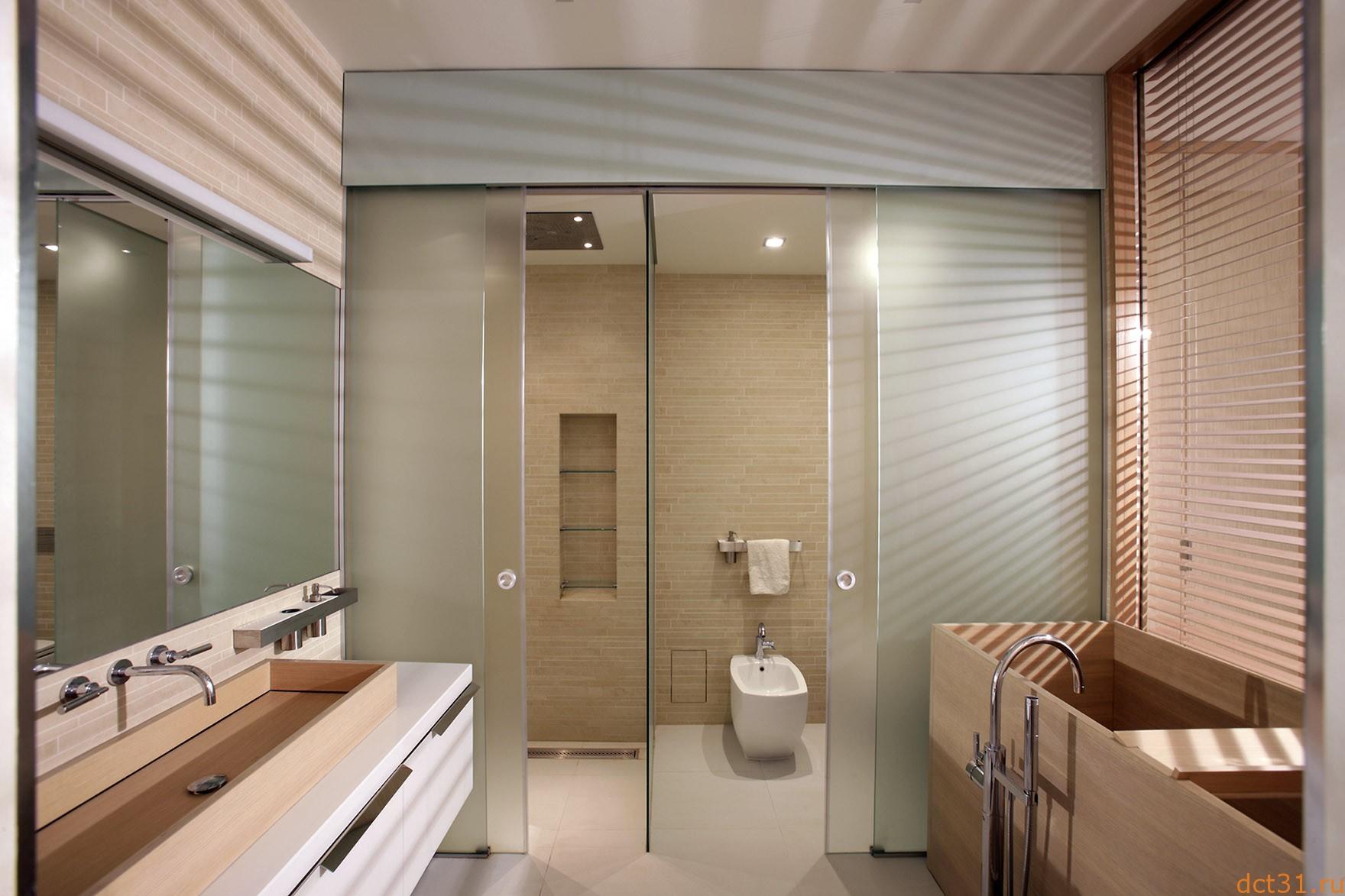 Выбираем ограждение для ванной: купить тканевую шторку или поставить стеклянную?